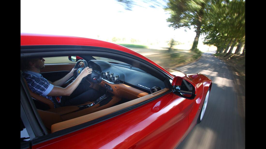 Ferrari F12 Berlinetta, Seitenfenster