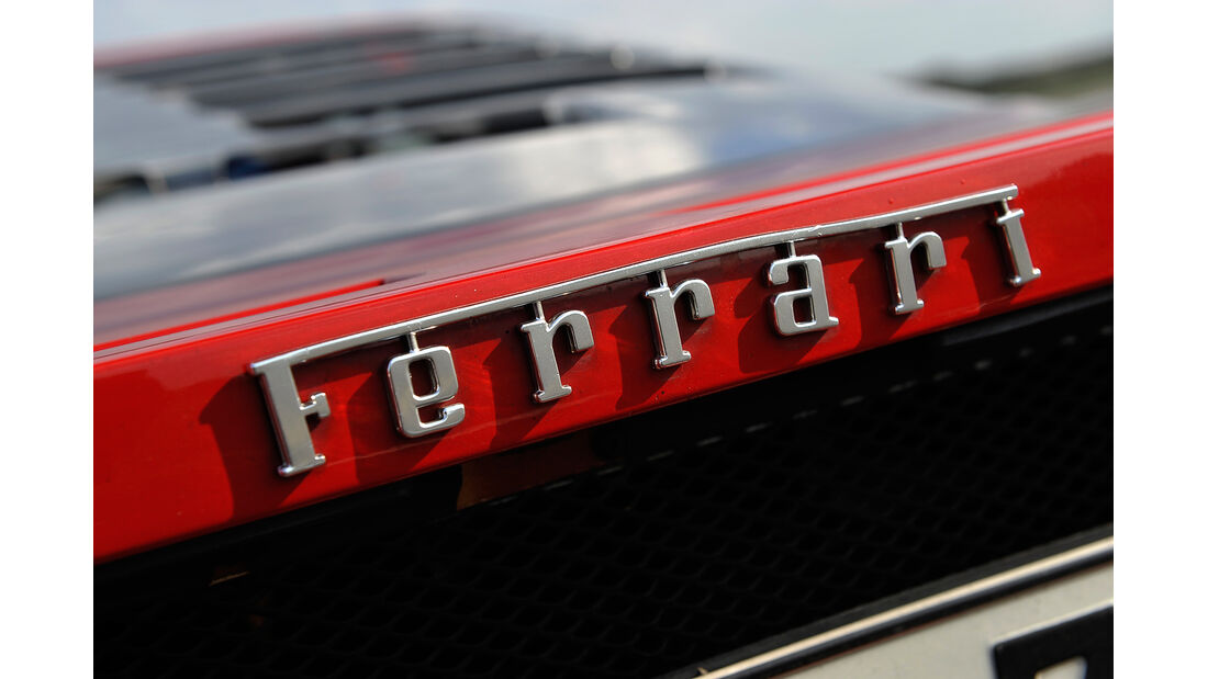 Ferrari F40, Schriftzug