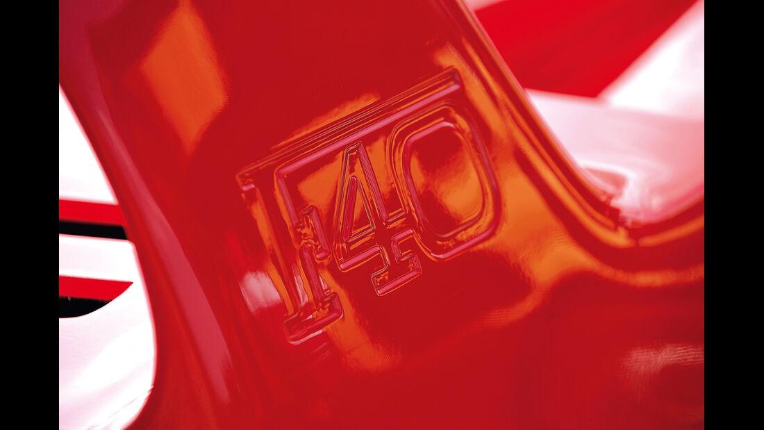 Ferrari F40, Schriftzug, Typenbezeichnung