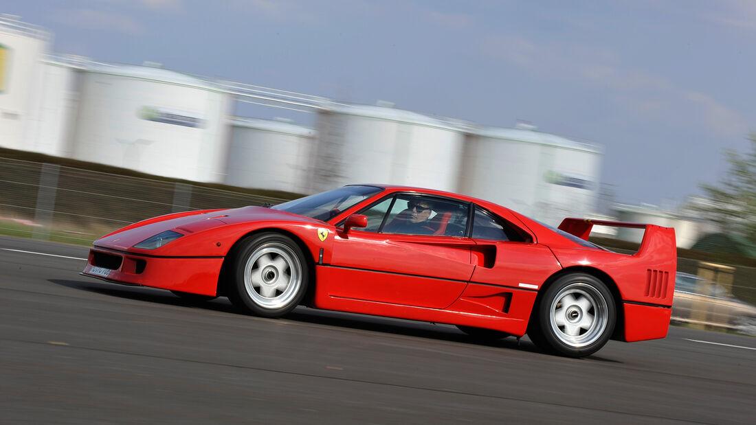 Ferrari F40, Seitenansicht