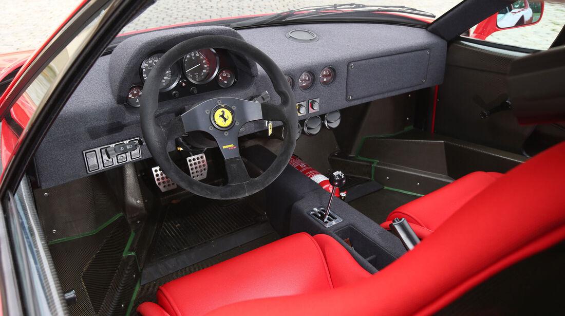 Ferrari F40 - Sportwagen - Lenkrad - Innenraum