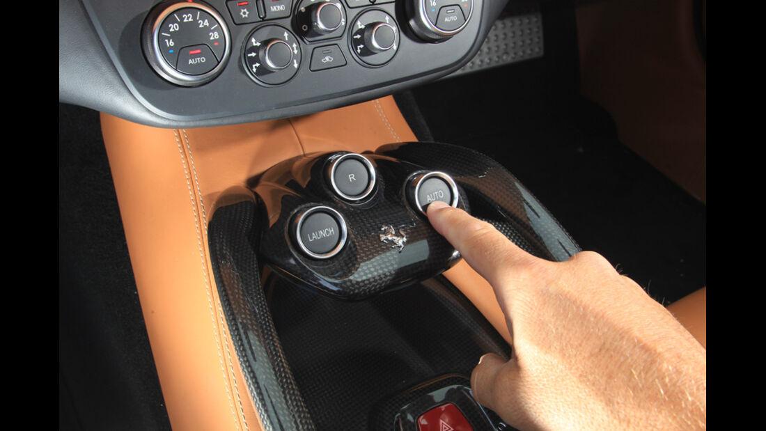 Ferrari FF, Bedienknopf, Mittelkonsole