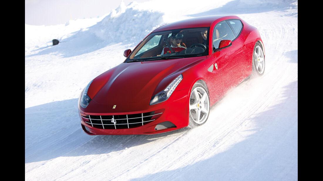 Ferrari FF, Frontansicht, Schnee