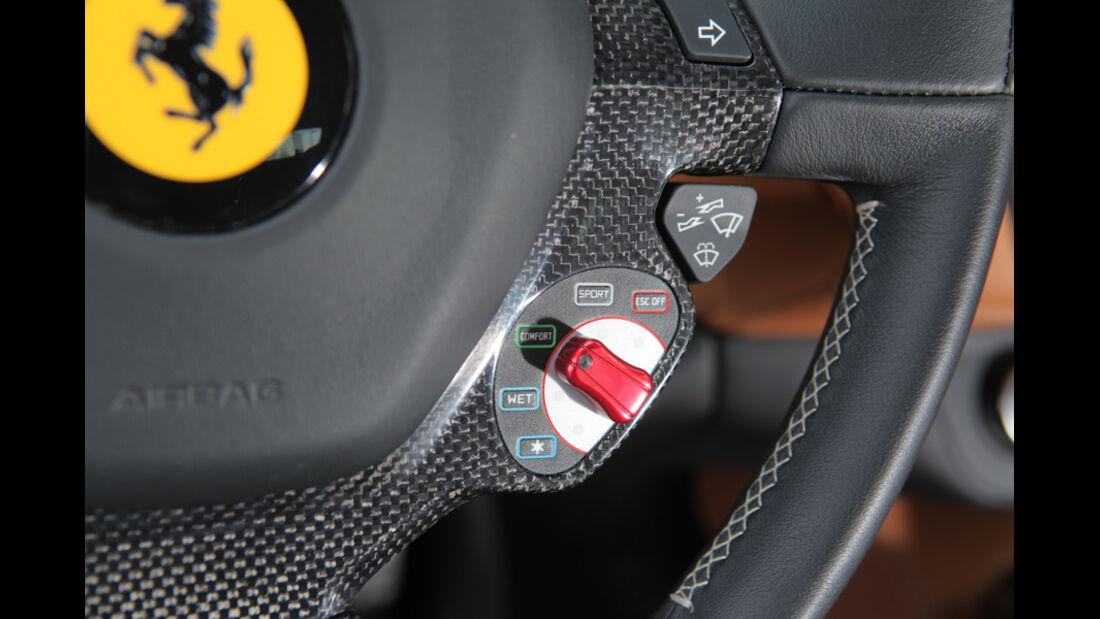 Ferrari FF, Lenkrad, Detail