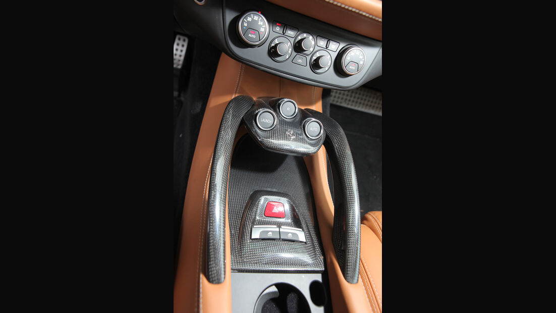 Ferrari FF, Mittelkonsole