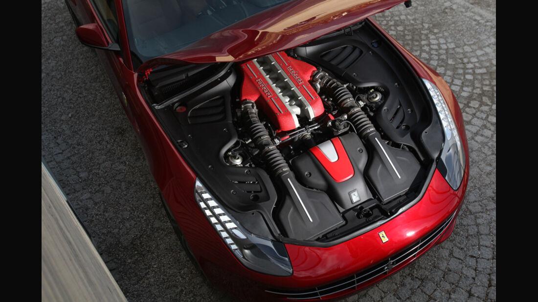 Ferrari FF, Motor