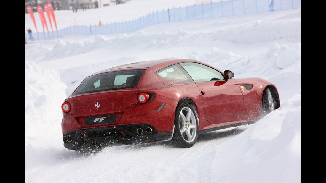 Ferrari FF, Rückansicht, Schnee, Heck