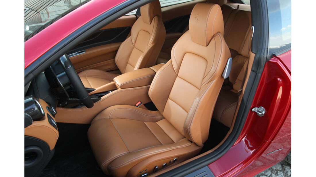 Ferrari FF, Sitze