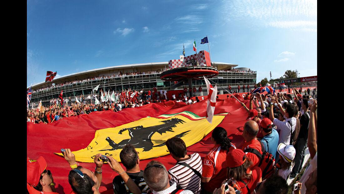 Ferrari-Fans - Ferrari-Flagge - GP Italien 2009