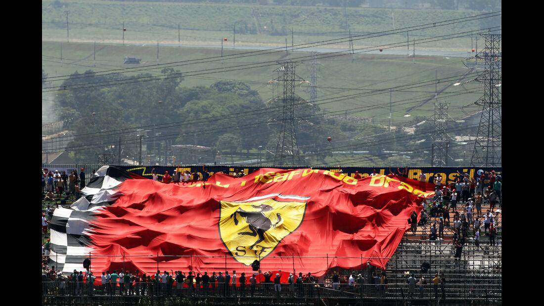Ferrari-Flagge - Formel 1 - GP Brasilien - Sao Paulo - 23. November 2012