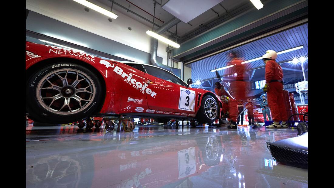 Ferrari GT3, Box