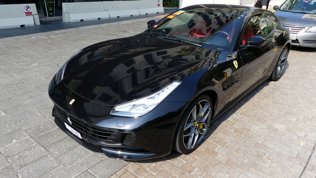 Ferrari GTC4 Lusso - Carspotting - GP Abu Dhabi 2019