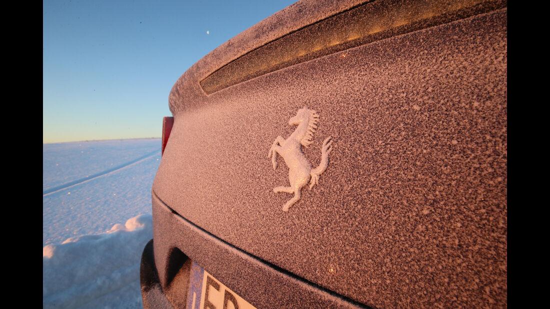 Ferrari GTC4 Lusso, Emblem