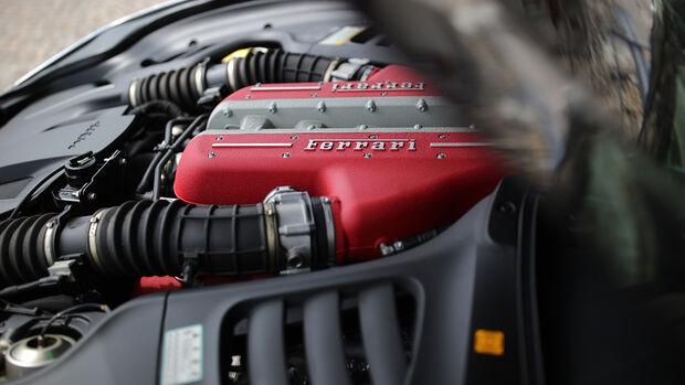Ferrari GTC4 Lusso, Motorraum