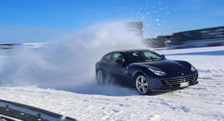 Ferrari GTC4 Lusso, Schnee, Nürburgring