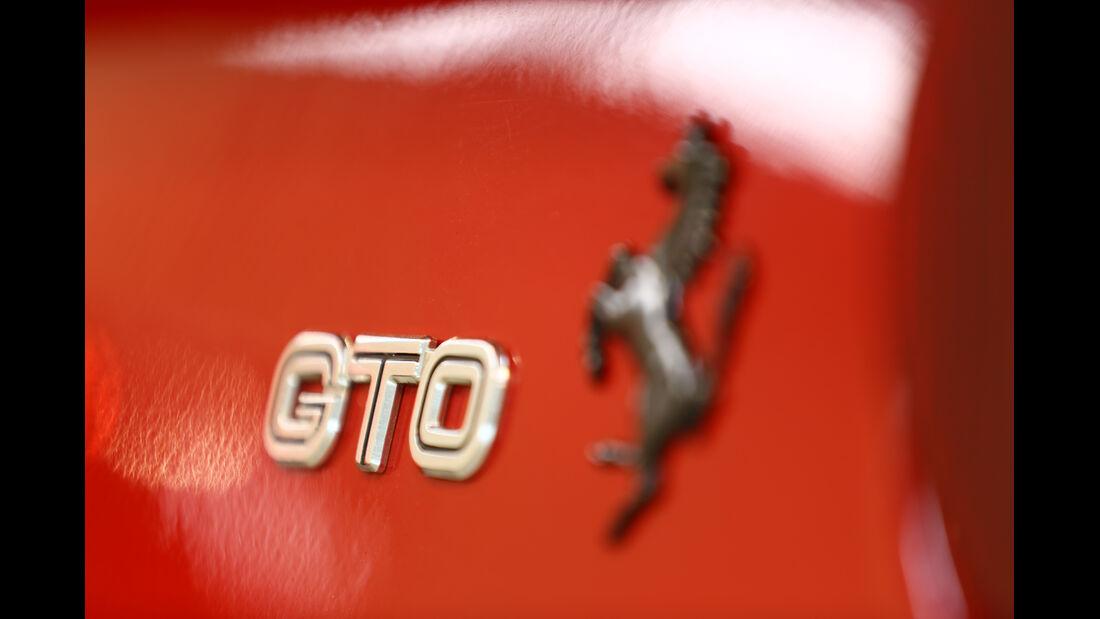 Ferrari GTO, Typenbezeichnung, Emblem