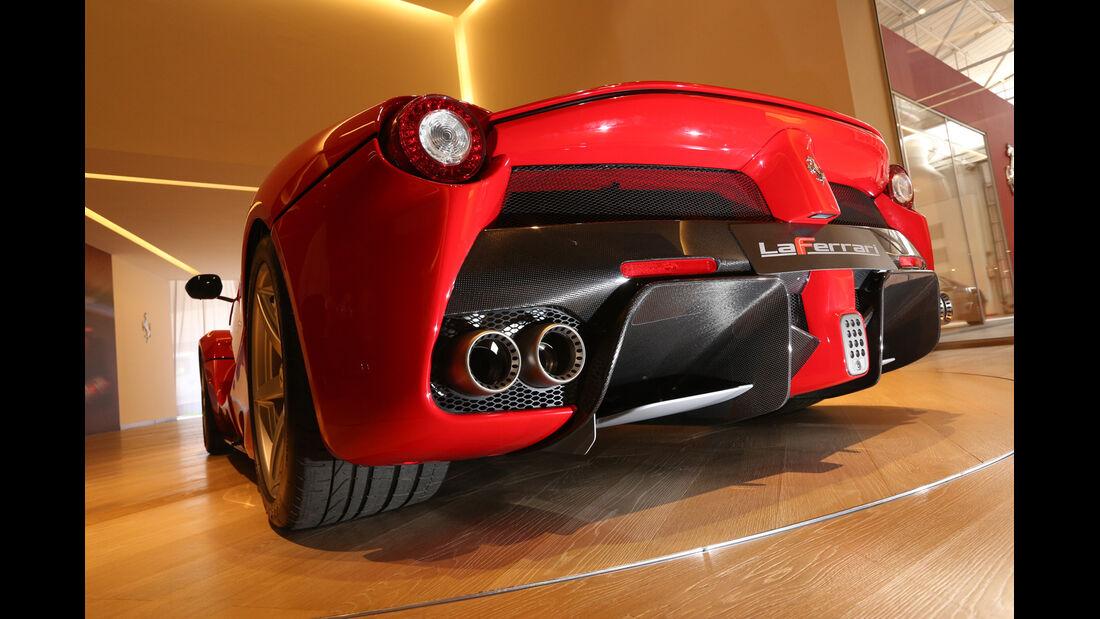 Ferrari LaFerrari, Auspuff, Endrohre
