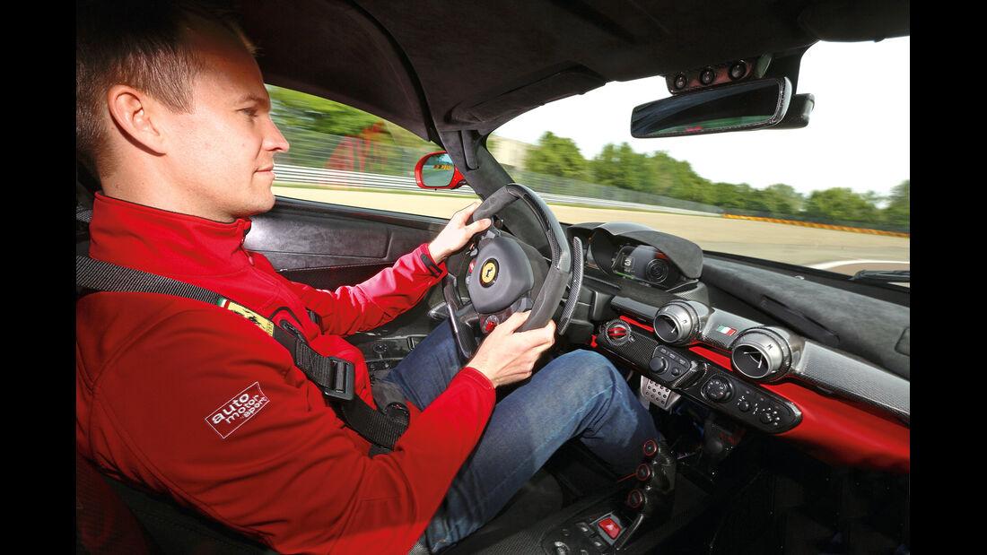 Ferrari LaFerrari, Cockpit, Fahrersicht