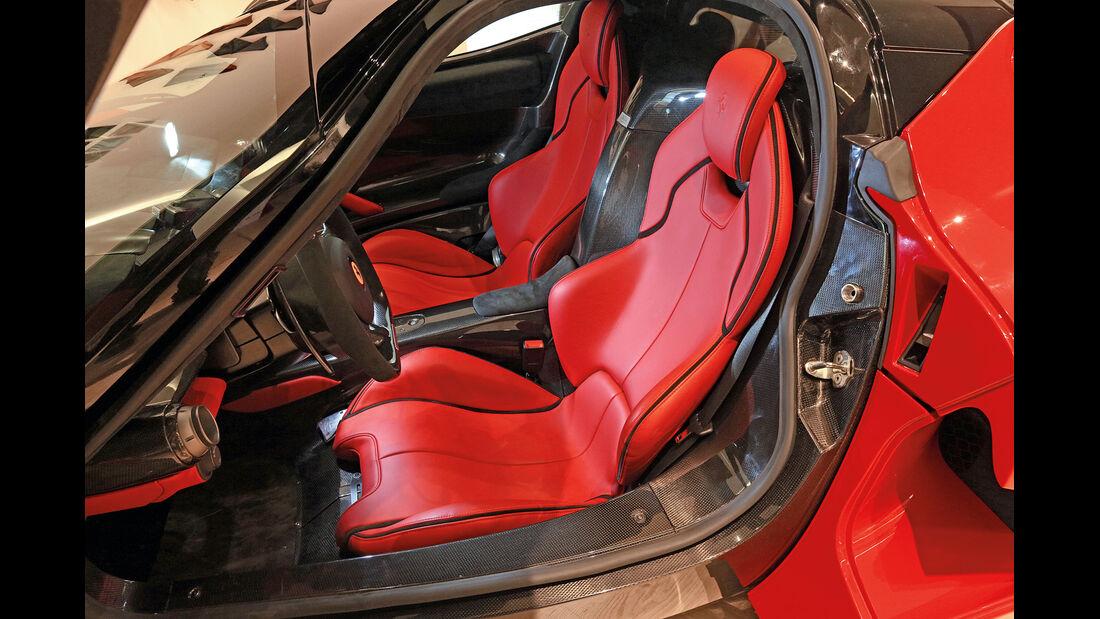 Ferrari LaFerrari, Fahrersitz