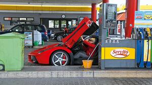 Ferrari LaFerrari, Tankstelle