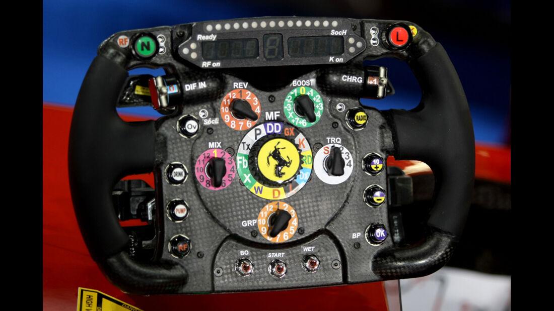 Ferrari-Lenkrad - GP Abu Dhabi - Qualifying - 12.11.2011