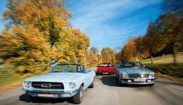 Ferrari Mondial T Cabrio, Mercedes 500 SL, Ford Mustang Convertible