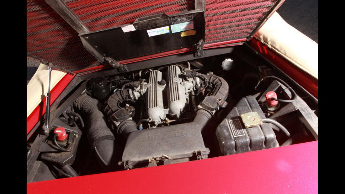 Ferrari Mondial T, Cabriolet 1992, Motorraum, Detail