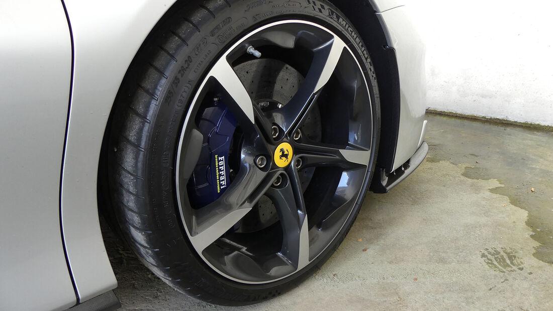 Ferrari SF90 Stradale - Charles Leclerc - Carlos Sainz - Formel 1 - Fahrerautos - GP Ungarn 2021