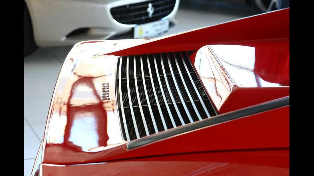 Ferrari Testarossa, Motorhaube, Lufteinlass