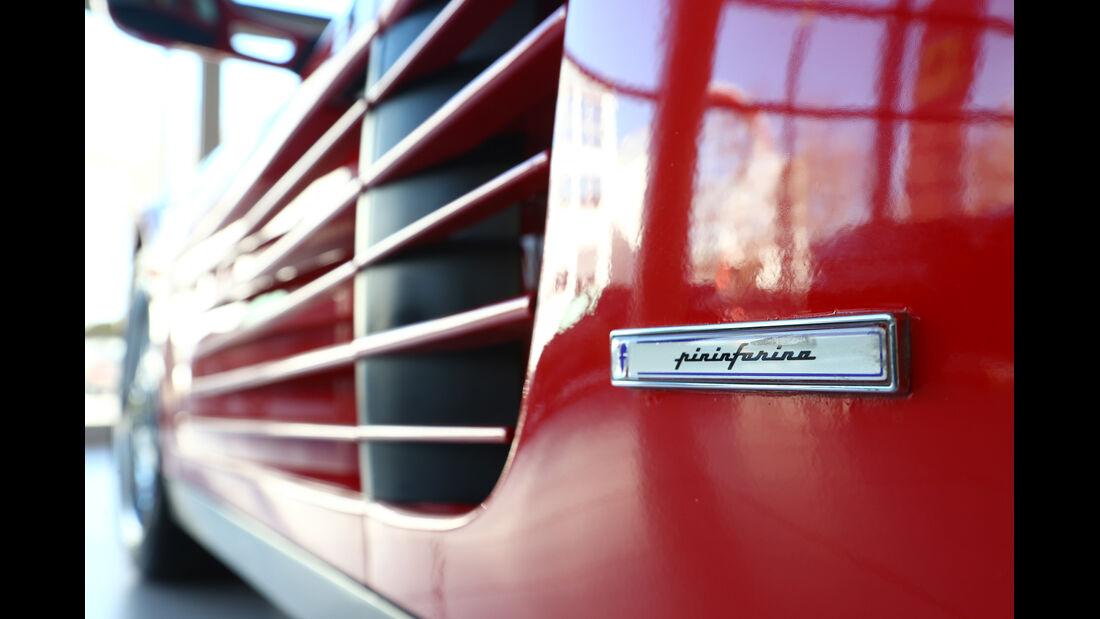 Ferrari Testarossa, Seitenkasten