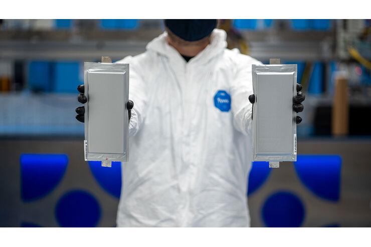 Feststoffbatterien für Serienautos BMW und Ford bringen Akkus mit Super-Reichweite
