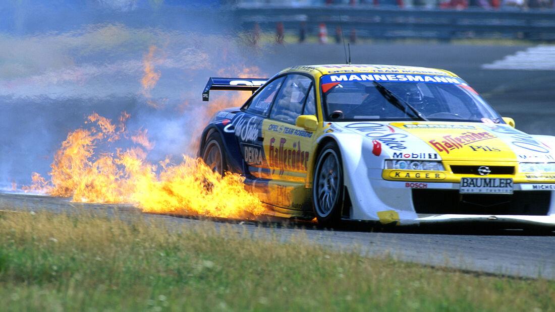 Feuer am Opel Calibra - Klaus Ludwig