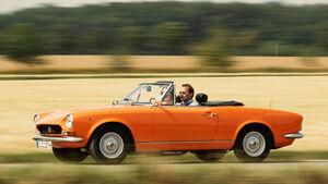 Fiat 124 Sport Spider, Seitenansicht
