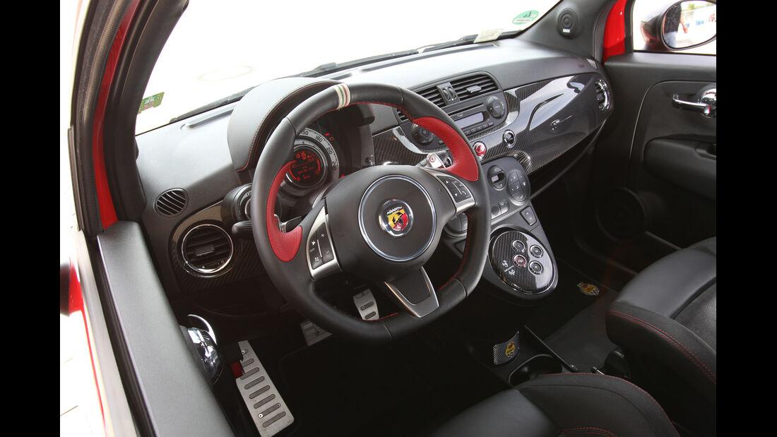 Fiat 500 Abarth, Cockpit, Lenkrad