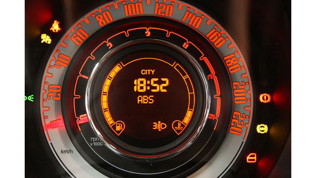 Fiat 500 Elektro, Tacho