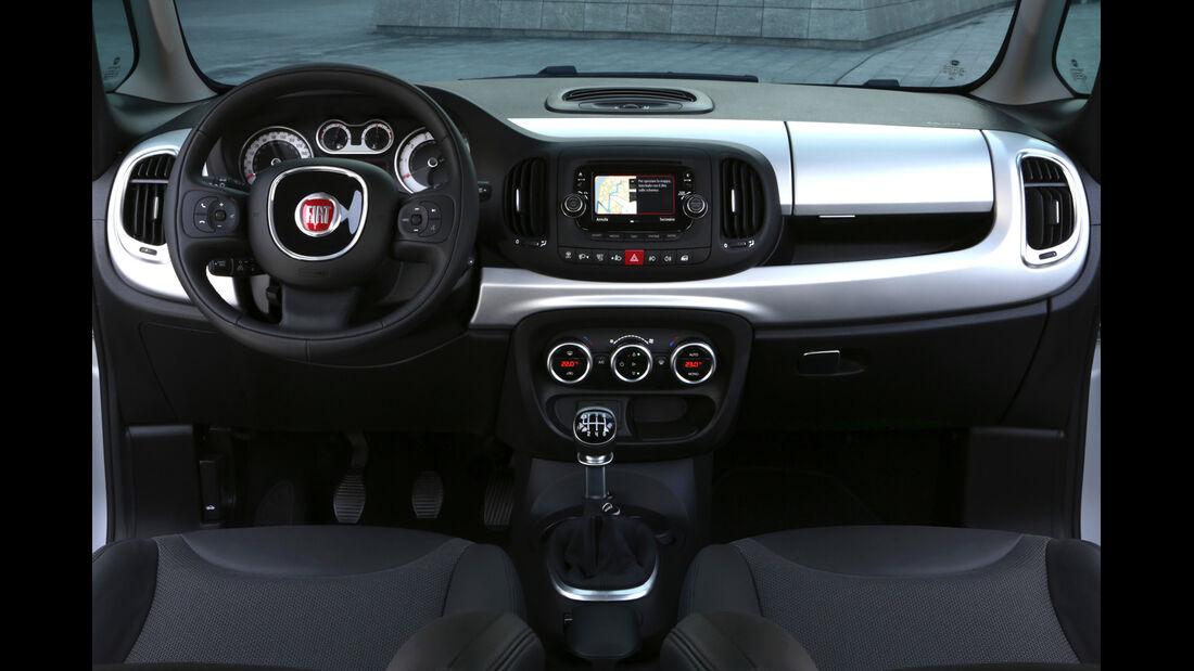 Fiat 500L 1.6 Multijet, Cockpit, Lenkrad