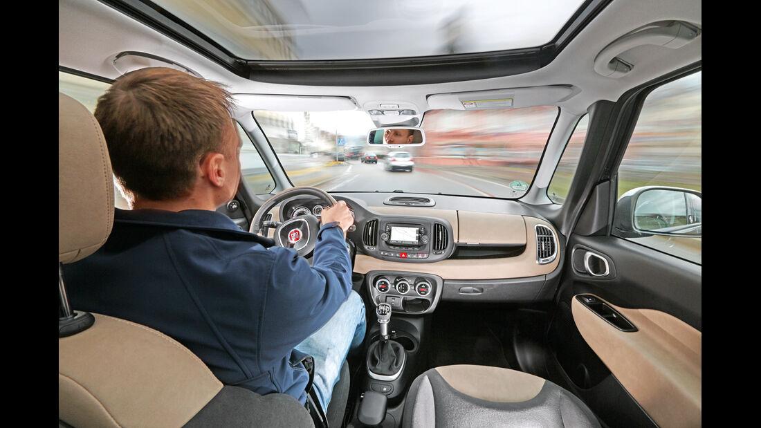 Fiat 500L Living 1.6 16V Multijet, Cockpit, Fahrersicht