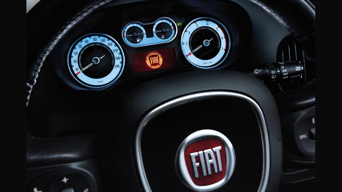 Fiat 500L, Rundinstrumente, Tacho, Lenkrad