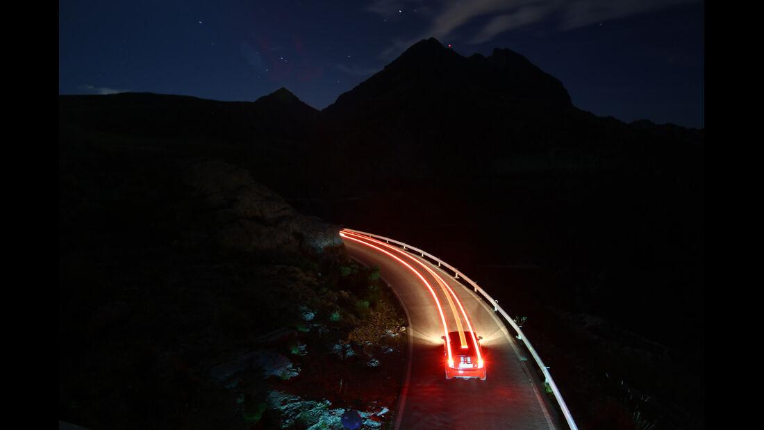 Fiat Abarth 695 Tributo Ferrari, Nachtfahrt