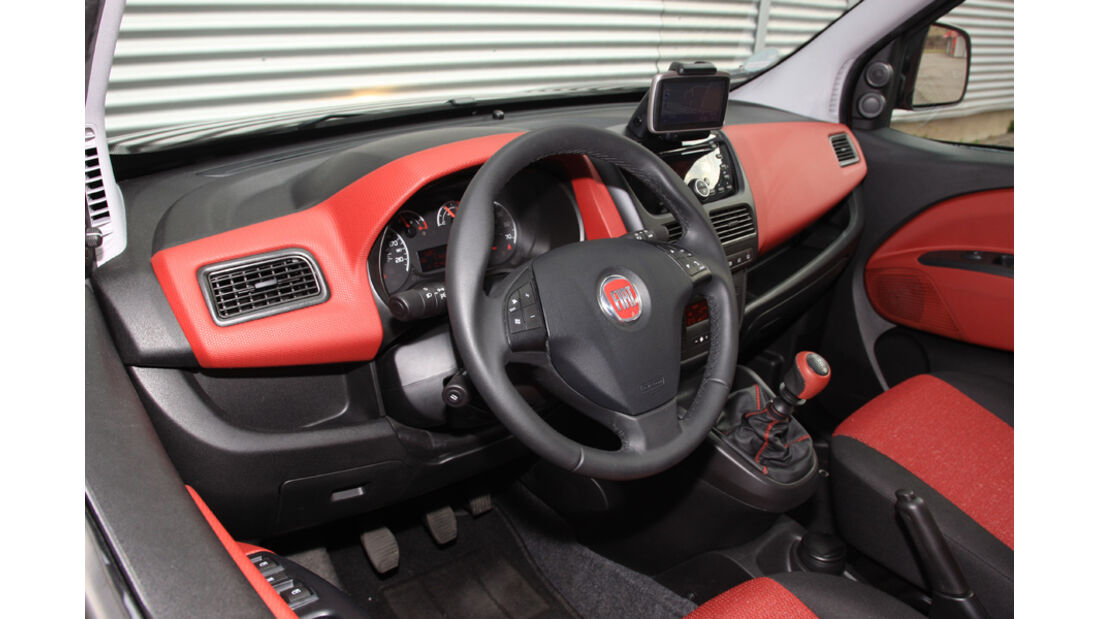 Fiat Doblo 2.0 16V Multijet, Cockpit