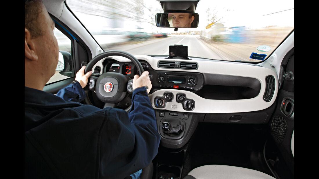 Fiat Panda 0,9 8V Natural Power, Cockpit, Lenkrad
