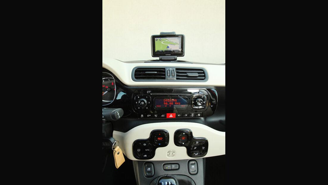 Fiat Panda 0.9 Twinair, Cockpit, Lenkrad