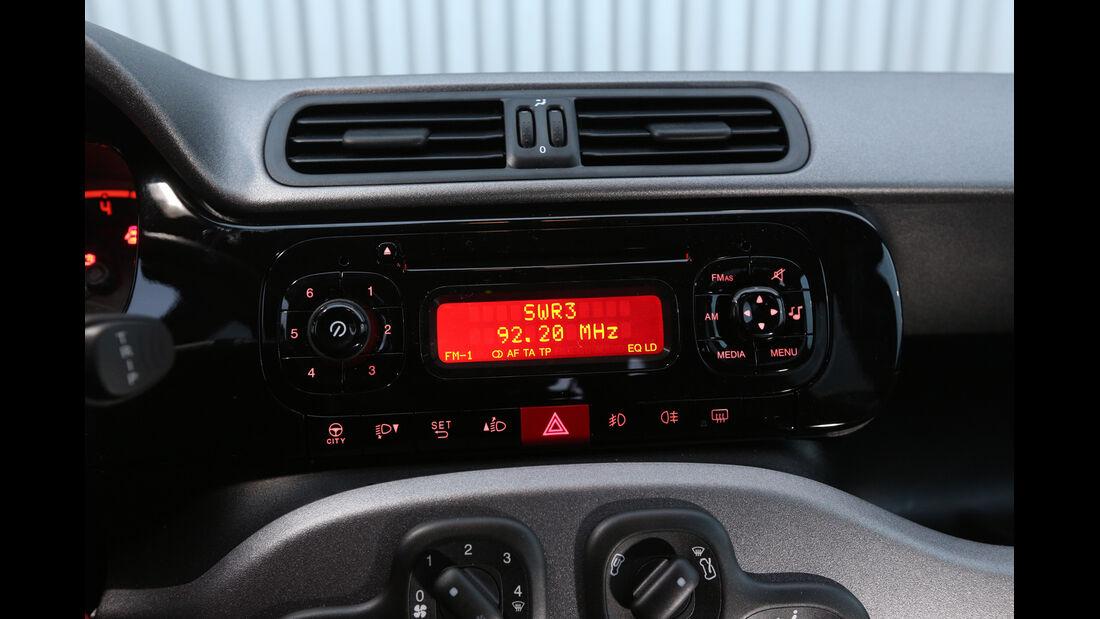 Fiat Panda 1.2 8V, Infotainment, Mittelkonsole