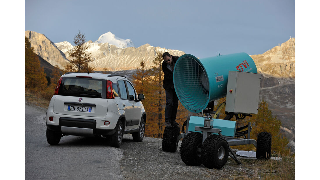 Fiat Panda 1.3 16V Multijet 4X4, Heckansicht, Schneekanone