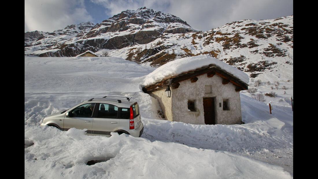 Fiat Panda 4X4, Seitenansicht, Berghütte
