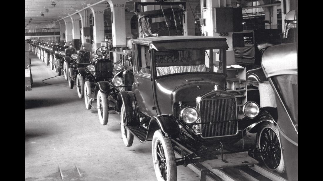Fließbandproduktion 1913