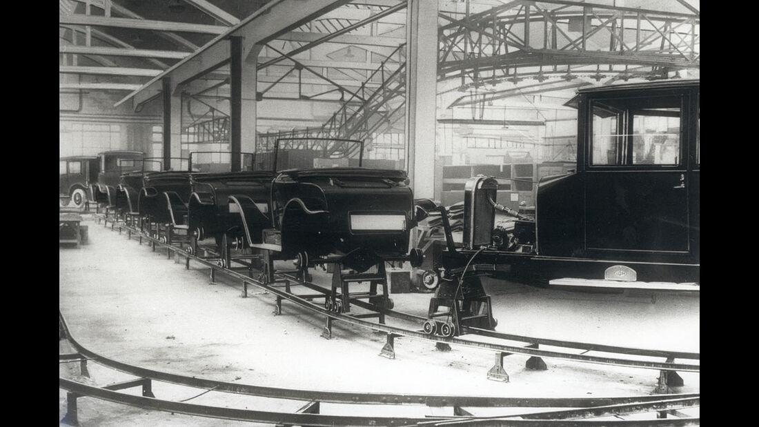 Fließbandproduktion des Opel 4/16 PS, 1926