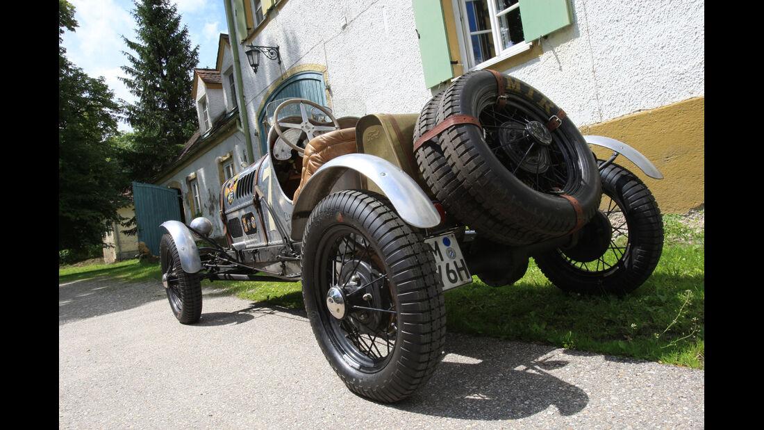 Ford A, Heckansicht, Ersatzrad
