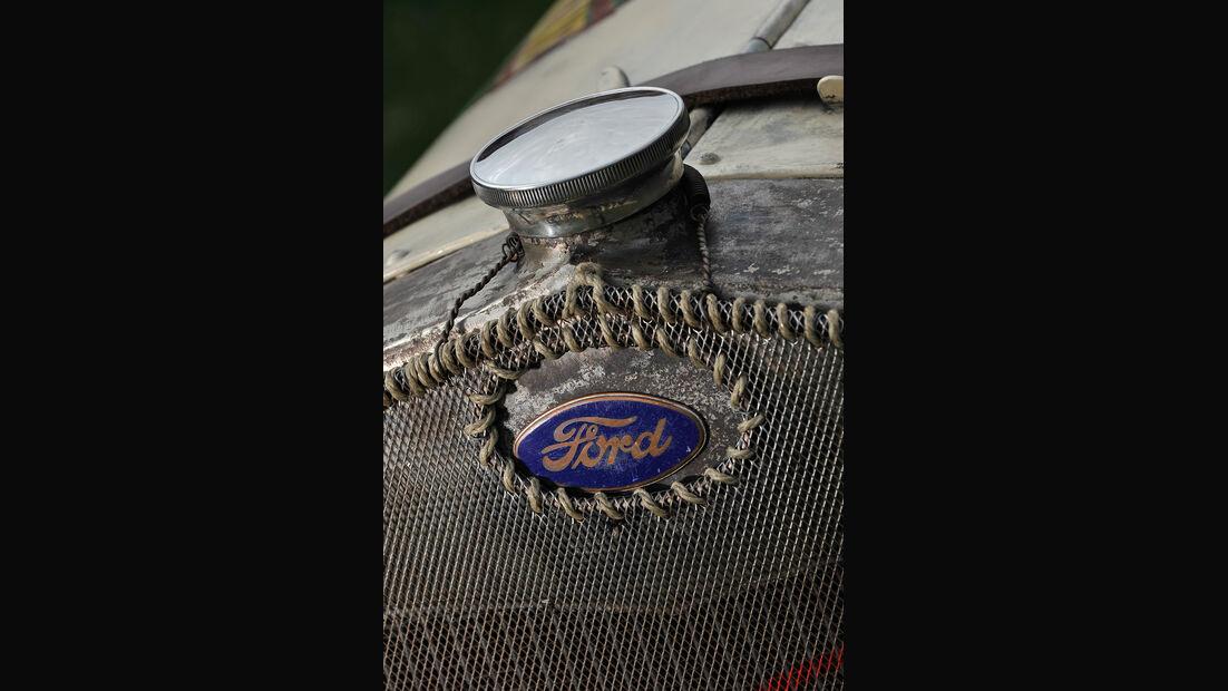 Ford A Racer, Kühlergrill