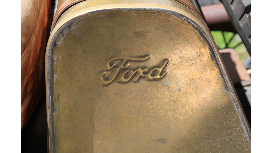 Ford A, Tank
